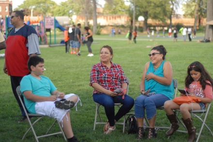 attendees-relax-during-last-saturdays-maywood-family-fest