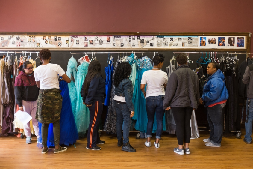 photo essay a prom dress giveaway in wood village press photo essay a prom dress giveaway in wood