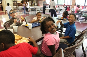 Free Summer Meal Programs to Start Feeding Kids This Summer